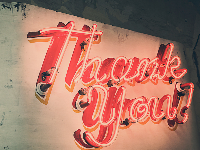 A sign saying thank you